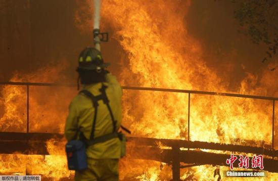 加州州长杰里·布朗9日致信总统特朗普,要求其宣布加州北部林火为重大灾难,以得到更多联邦援助。