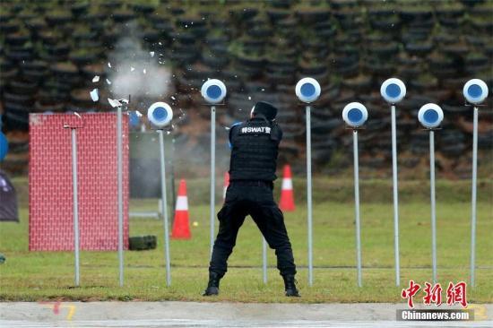 射击演练。徐宏 摄