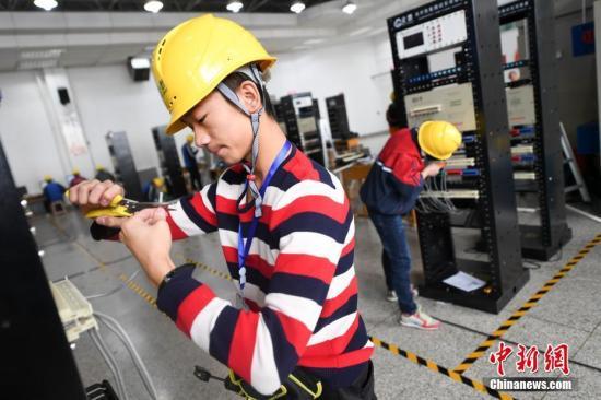 中国经济一季度成绩单今日揭晓 三大焦点值得关注哈工大美女大学生李璐
