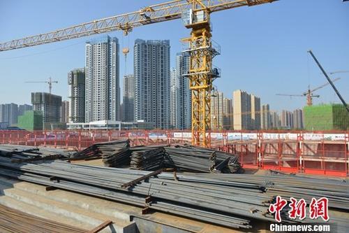 资料图:成都一在建房产项目。<a target='_blank' href='http://www.chinanews.com/'>中新社</a>记者 张浪 摄