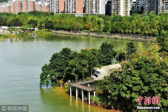 资料图:重庆市云阳新县城滨江库岸公园。饶国君 摄 图片来源:视觉中国