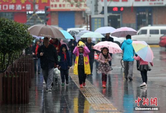 资料图:下雨天气。<a target='_blank' href='http://www.chinanews.com/'>中新社</a>记者 张远 摄