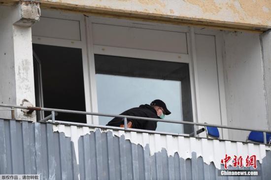 据当地媒体报道,一名19岁叙利亚青年因涉嫌在德国进行恐怖袭击被拘留。根据德国检察官的说法,该名男子准备用高度爆炸性的材料实施攻击。