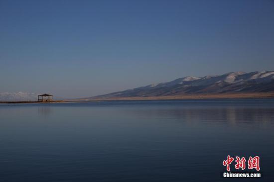 资料图:青海湖。中新社记者 罗云鹏 摄