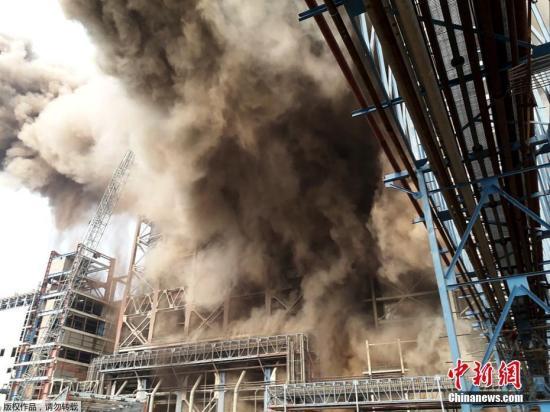 当地时间11月1日,印度北方邦一座燃煤火力发电厂发生爆炸。