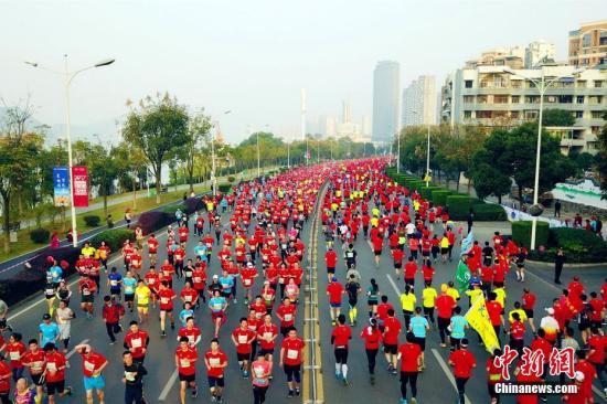 陪跑师:绕着地球跑 在运动中收获快乐