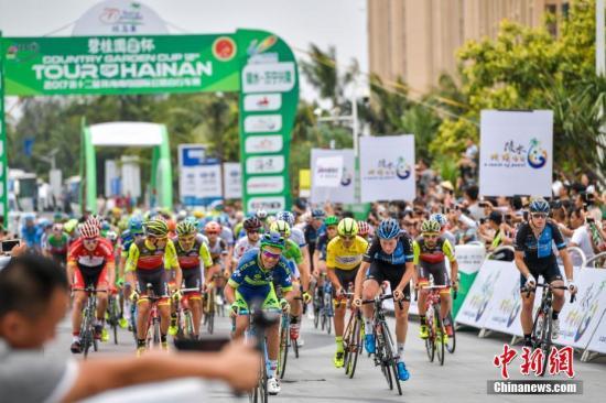 资料图:自行车赛。 中新社记者 骆云飞 摄
