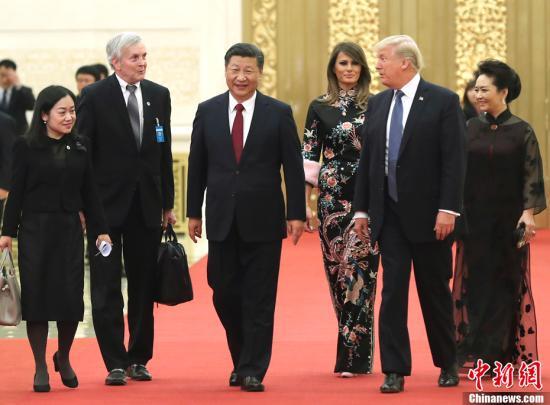 11月9日晚,中国国家主席习近平和夫人彭丽媛在北京人民大会堂举行宴会,欢迎美国总统特朗普和夫人梅拉尼娅。中新社记者 盛佳鹏 摄