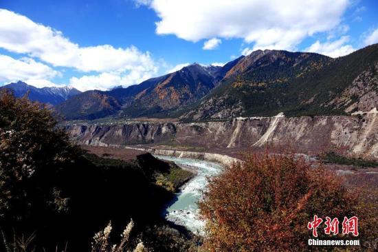 文旅部:确定雅鲁藏布大峡谷为国家5A级旅游景区