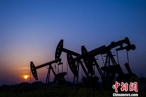 综述:经贸摩擦等因素交织重挫国际油价
