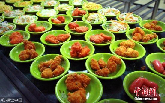 食药监总局发元旦饮食安全消费提示:选明厨亮灶餐厅