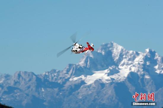 资料图:中国首款自主研发双发轻型直升机完成高原测试。 图/岳书华