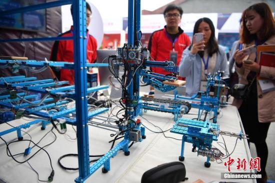 数据显示:1-10月中国规模以上互联网企业业务收入9902亿 同比增21%