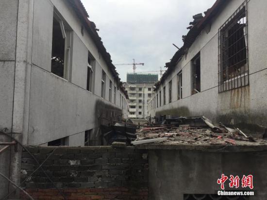 11月26日上午9时许,浙江宁波江北区庄桥街道李家村地块外围空地发生爆炸。何蒋勇 摄