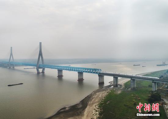 环保部:长江经济带饮用水水源地483个问题已彻底整治