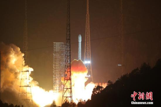 12月11日0时40分,中国在西昌卫星发射中心用长征三号乙运载火箭,成功将阿尔及利亚一号通信卫星发射升空。这是长征系列运载火箭的第258次飞行。 <a target='_blank' href='http://www.chinanews.com/'>中新社</a>发 王玉磊 摄