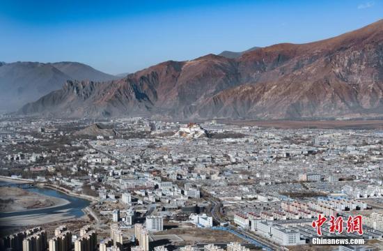 西藏打开高原空中观光模式
