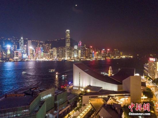 资料图:香港维多利亚港夜景。 /p记者 谢光磊 摄