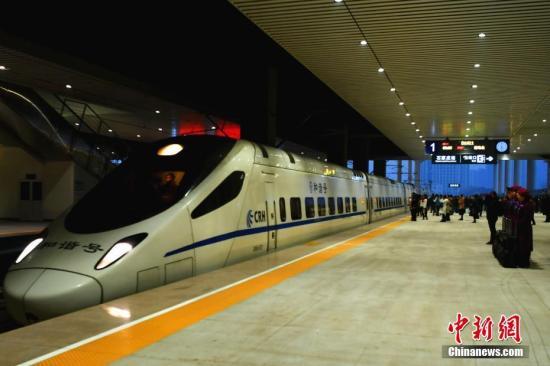 资料图:石家庄至济南高速铁路全线开通运营。/p记者 翟羽佳 摄