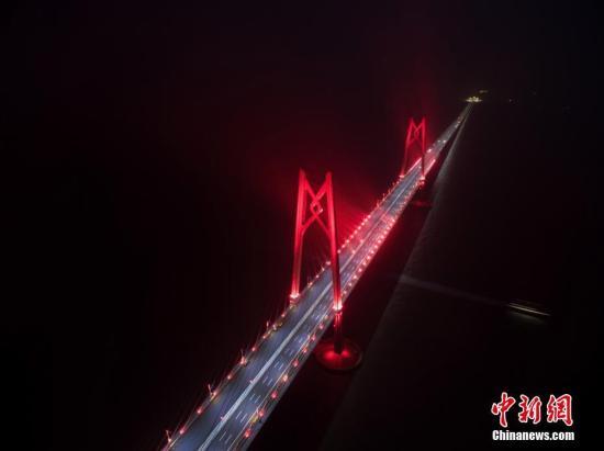 广东今年计划完成投资1200亿 建设大湾区国际航运枢纽