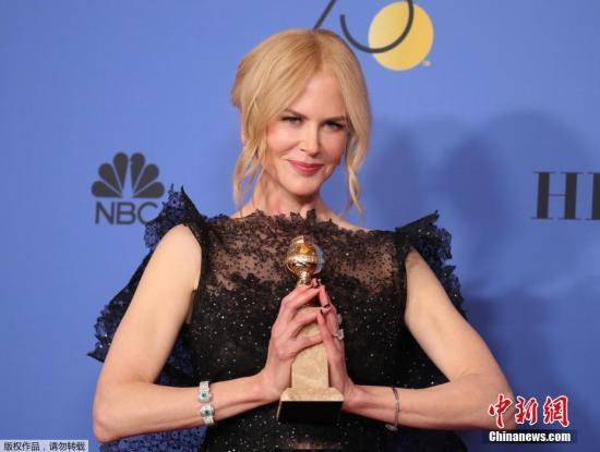 资料图:金球奖颁奖礼,妮可・基德曼凭借《大小谎言》夺得限定剧、电视电影最佳女演员。
