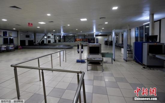 当地时间2018年1月15日,利比亚首都黎波里的米提加国际机场遭到一伙武装分子的袭击,该机场目前暂时停止运行。