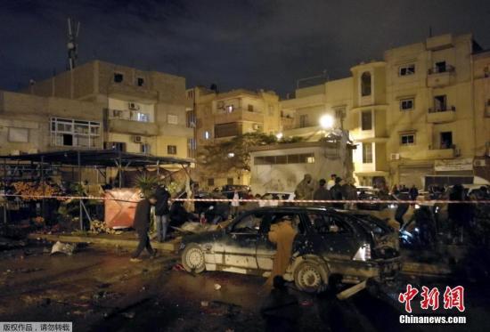 资料图:当地时间1月23日晚,利比亚东部城市班加西发生汽车炸弹连环爆炸事件,造成至少33人死亡,数十人受伤。