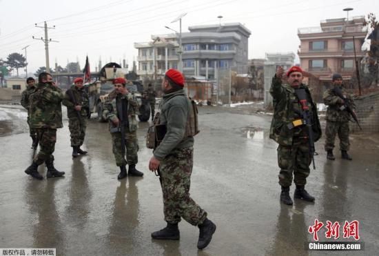 阿富汗国防部在攻击事件结束后透露,枪手持有火箭推进榴弹和自动机枪,其中两人引爆身上的炸弹,两人被击毙,一人束手就擒。