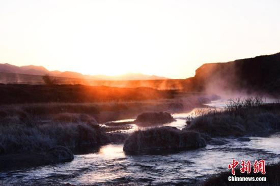 资料图:甘肃祁连山美景。 武雪峰 摄