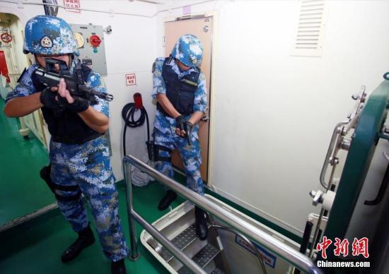 中国海军第二十九批护航编队起航