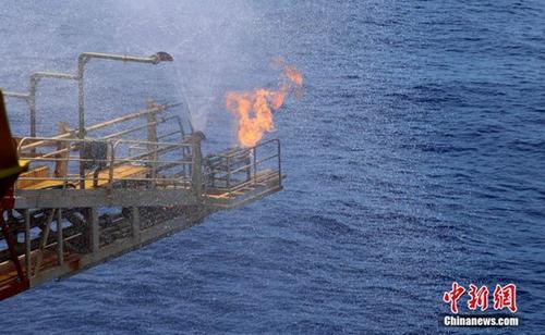 资料图:南海天然气水合物(即可燃冰)试采工程。。中新社发 朱夏 摄