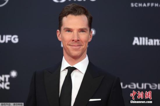 """资料图:英国影视明星""""卷福""""本尼迪克特・康伯巴奇主持。"""