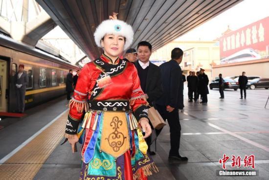 图为全国人大代表、黑龙江省同江市同江镇中心校教师刘蕾。 中新社记者 侯宇 摄