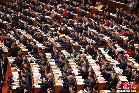 2018年3月3日,全国政协十三届一次会议在北京人民大会堂开幕。 记者 杜洋 摄