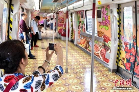 资料图:广州地铁。 中新社记者 陈骥旻 摄