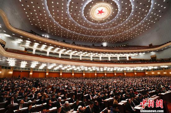 3月8日,全国政协十三届一次会议在北京举行第二次全体会议。&#10;<a target='_blank' href='http://www.chinanews.com/'>中新社</a>记者 杜洋 摄