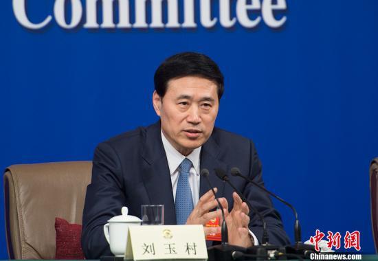 图为刘玉村委员。 /p中新社记者 李卿 摄