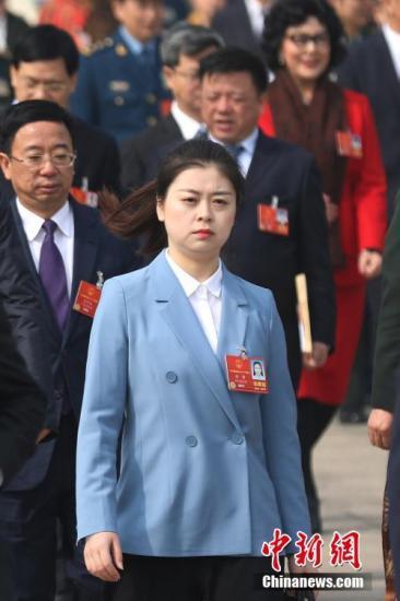 """资料图:""""95后""""代表徐萍。中新社记者 泱波 摄"""