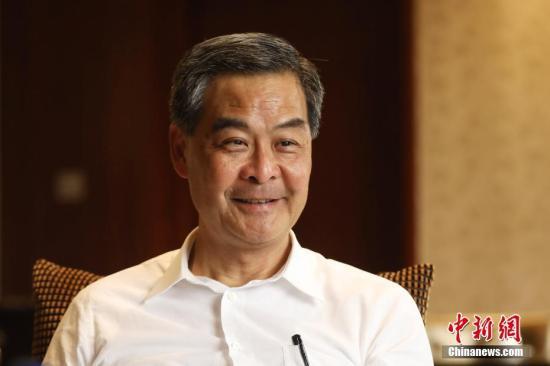 """3月13日,全国政协副主席、香港特区前行政长官梁振英在北京接受<a target='_blank' href='http://www.chinanews.com/'>中新社</a>专访时表示,现在香港的科技创新氛围越来越好。香港最大优势是高度国际化,可扮演""""超级联系人"""",沟通联系内地与国际间的科创合作。香港的科创产业要积极融入粤港澳大湾区。 <a target='_blank' href='http://www.chinanews.com/'>中新社</a>记者 泱波 摄"""