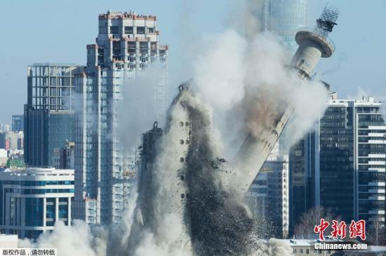 电视塔在1983年起建造,原本的计划是要盖到360米,但在1991年后,因没有经费而停工,只盖到214米的高度。