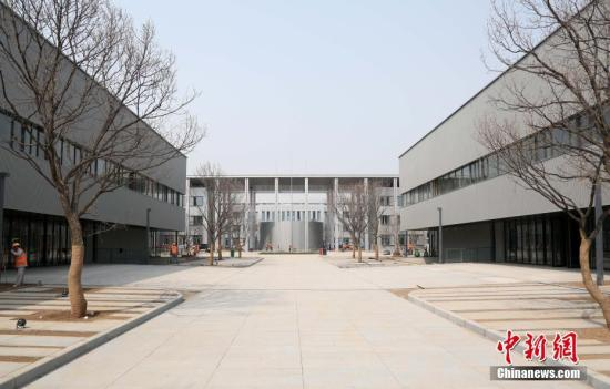 """""""雄安第一标""""——雄安市民服务中心。韩冰 摄"""
