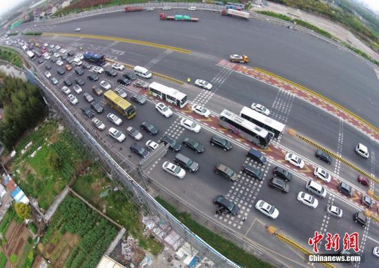 交通部:全国建100个司机之家 改善货车司机休息条件