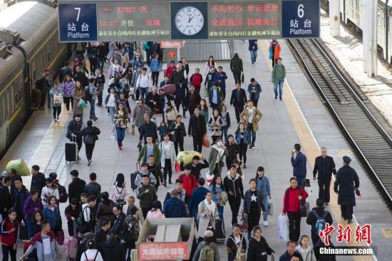 资料图:火车站。 张云 摄
