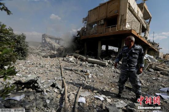 位于大马士革东北部拜尔宰地区的科学研究中心,包括教学中心和科研实验室在内的建筑受损,但未造成人员伤亡。