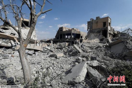 当地时间4月14日,叙利亚大马士革东北部拜尔宰地区,遭美英法空袭过后的科学研究中心。