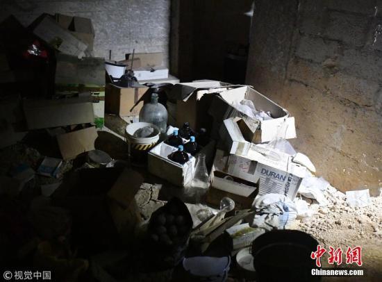 """4月17日,""""禁止化学武器组织""""的专家进入被指发生""""化武使用事件""""的大马士革东郊东古塔地区杜马镇。"""