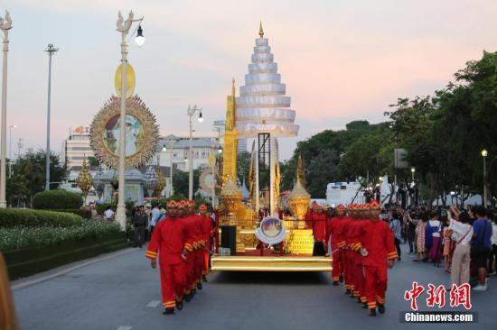 资料图片:泰国曼谷举办花车巡游活动。<a target='_blank' href='http://www.chinanews.com/'>中新社</a>记者 王国安 摄
