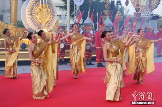 资料图片:2018年4月21日,泰国政府在曼谷举办花车巡游活动。<a target='_blank' href='http://www.chinanews.com/'>中新社</a>记者 王国安 摄