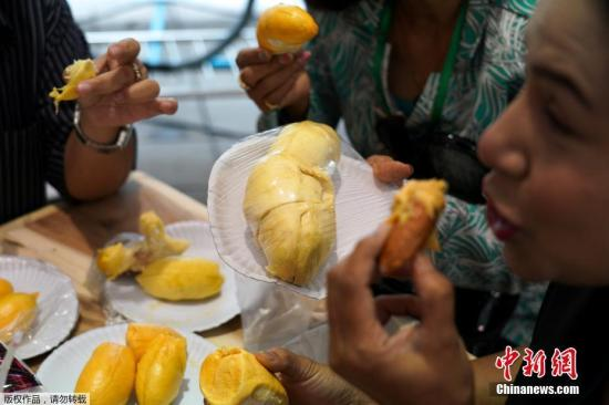 China to receive first batch of whole Malaysian durian