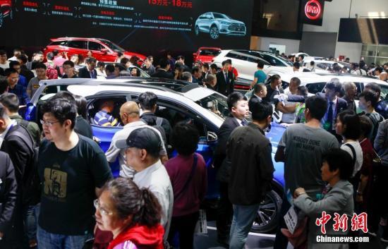 中消协发布去年汽车投诉榜单:德系三大豪华车品牌奔驰、宝马和奥迪全上榜